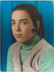 Bild på ett porträtt, taget av Ahmed Golinejadin i Kuwait i mitten av 1900-talet.